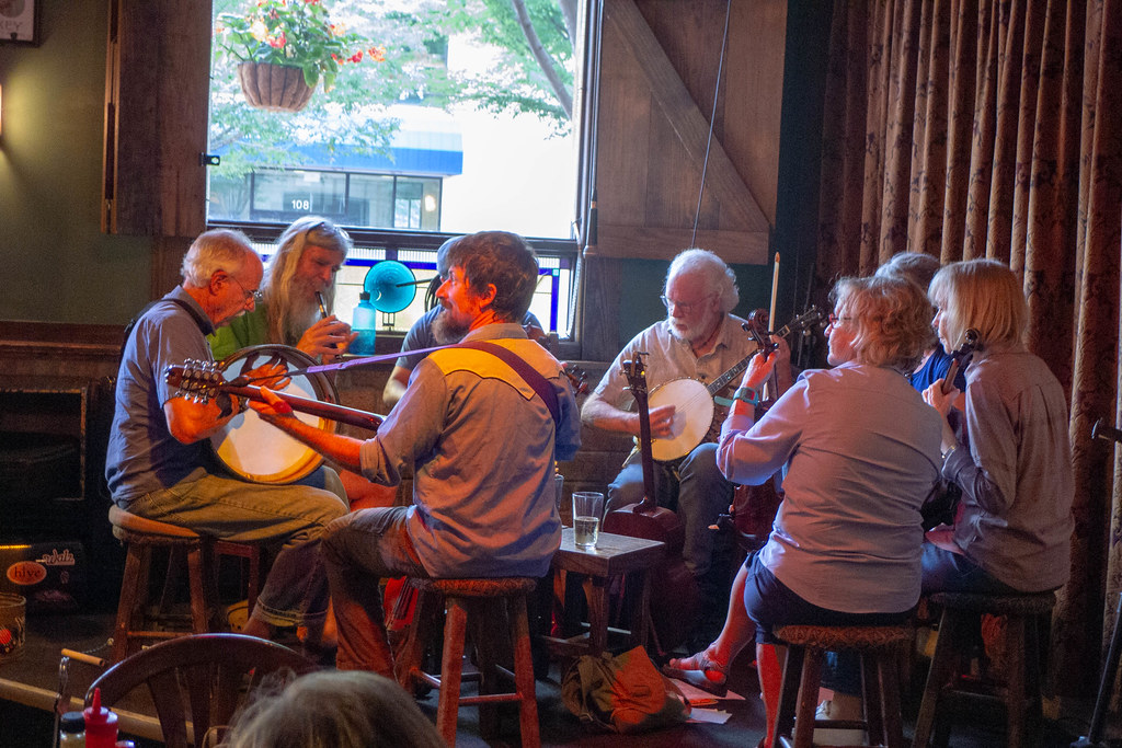 Celtic Session at Jack of the Wood-005