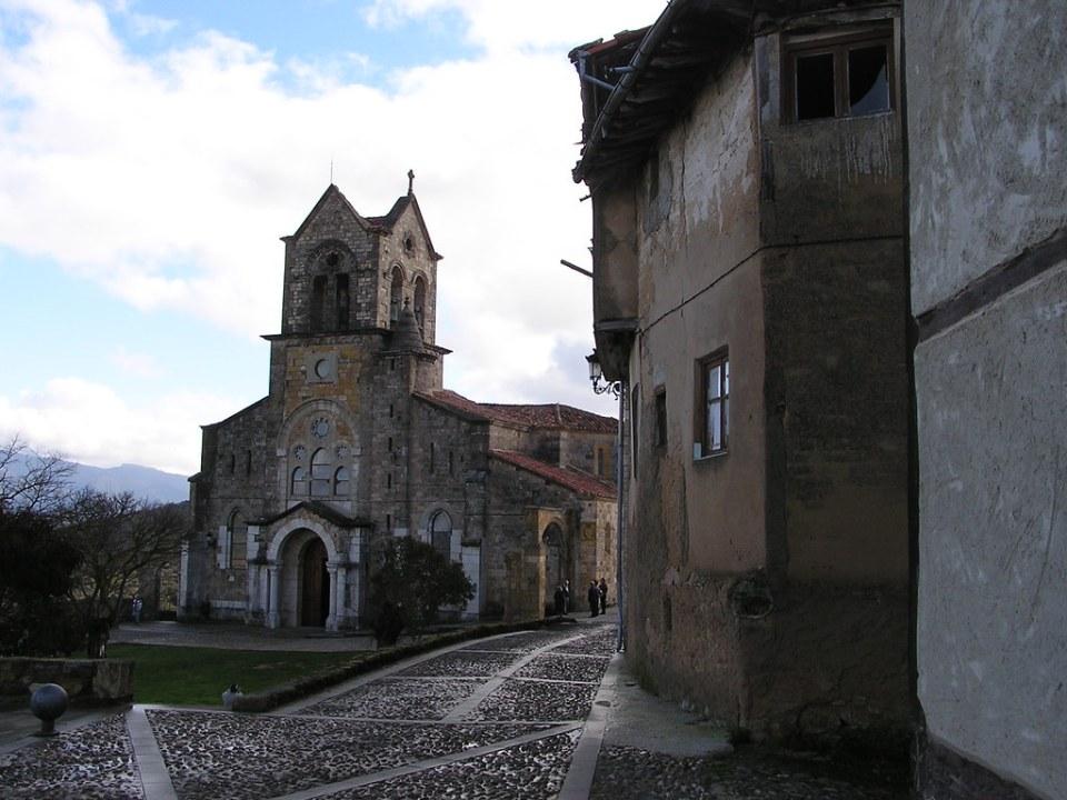 Burgos Iglesia de San Vicente Frias 28