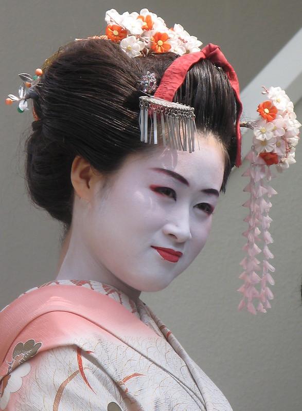 Maiko face