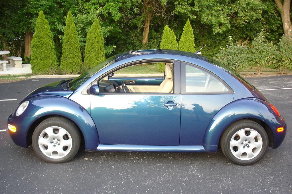 VW Beetle - shinny