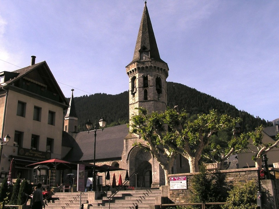Iglesia San Miguel de Viella Lerida 05