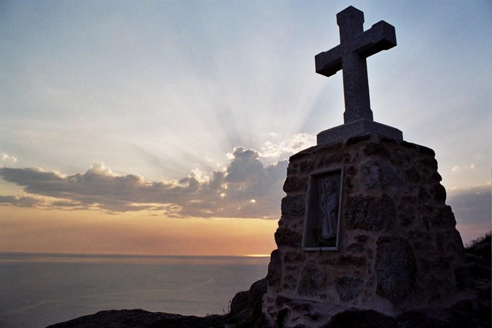 Cruceiro Punta de la Barca atardecer costa da Morte La Coruña 04