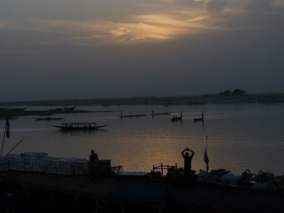 Rio Niger a su paso por Mopti Mali 45