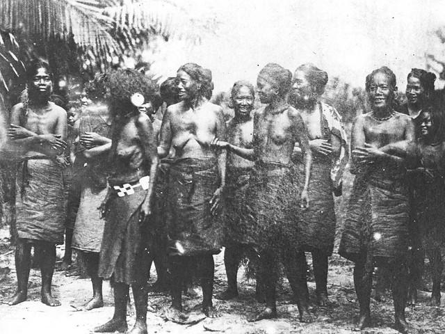 Carolinian Women in Saipan, 1902