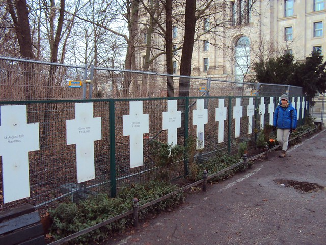 Crosses for people who were killed trying to cross from East Berlin to West Berlin next here (between Reichstag and Brandenburger Tor) by bryandkeith on flickr