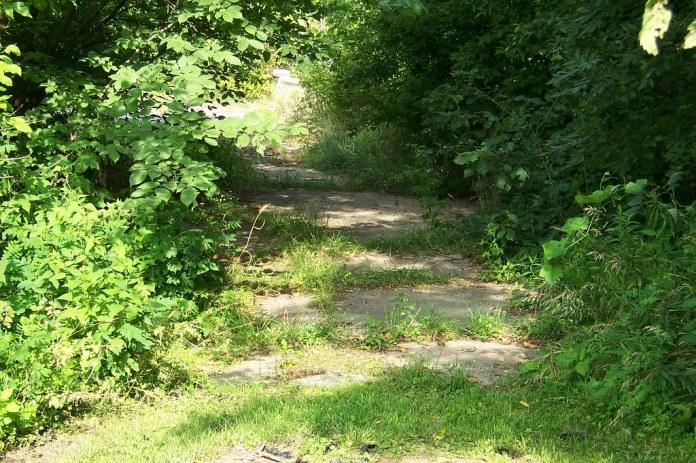 Abandoned US 40