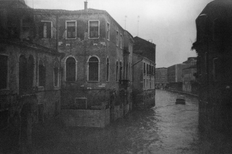 canal, waterway, architecture, reflections, near dusk, Venice, Venetto, Italy, Brownie Flash Six-20, Fomapan 200, Moersch Eco Film Developer, late November 2016