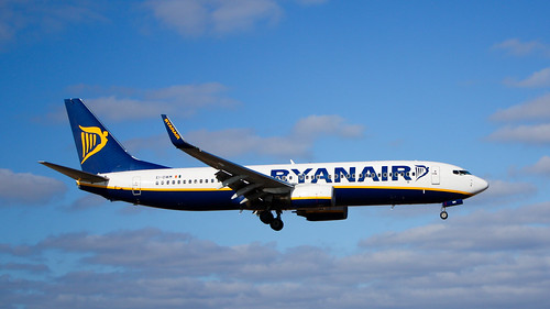 Ryanair B737-800 EI-DWM