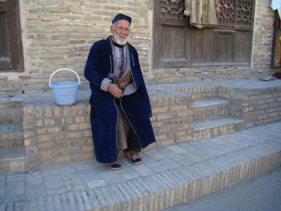 hombre mayor su gente Uzbekistán 076