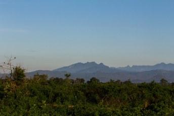 Weer vroeg op voor een bezoek aan het Uda Walawe nationaal park, met uitzicht op de hoogste berg van Sri Lanka