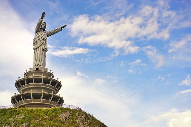 Patung Yesus - Buntu Burake, Toraja.