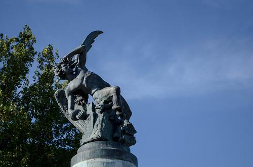 Estatua del Ángel Caído
