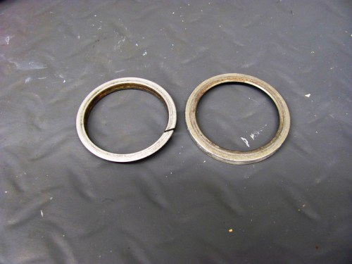 Exhaust Header Sealing Rings, Flat Sides: (L) Small, (R) Large
