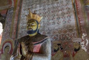 de laatste koning van Sri Lanka, afgebeeld met de kroon die wij Hollanders hem gegeven hadden