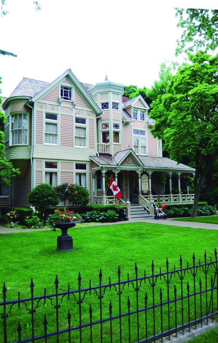 Casa en el camino hacia la orilla del Lago Ontario