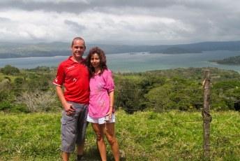 Nog even poseren voor het meer van Arenal.
