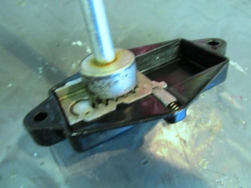 How Steering Damper Rod Fits Into Rack Inside Adjuster Mechanism