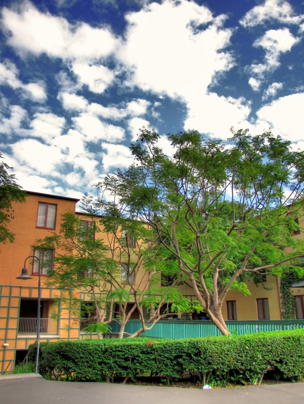 Middle Earth Housing UCI (HDR)