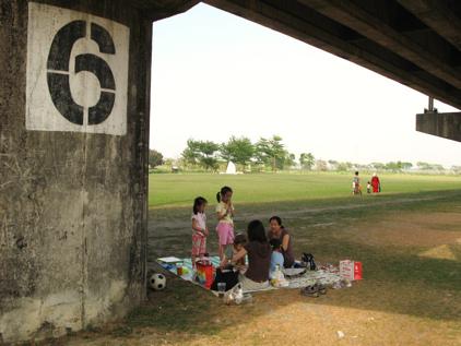 【野餐】高屏舊鐵橋:橋墩六號下的相遇(4.8ys)