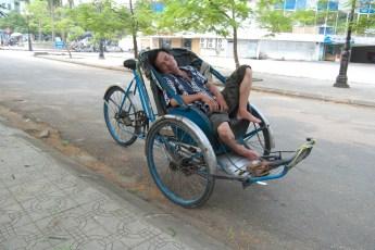 Cyclo-Fahrer schläft