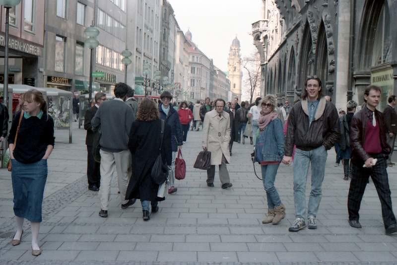 Walking Street, Munich (1987)