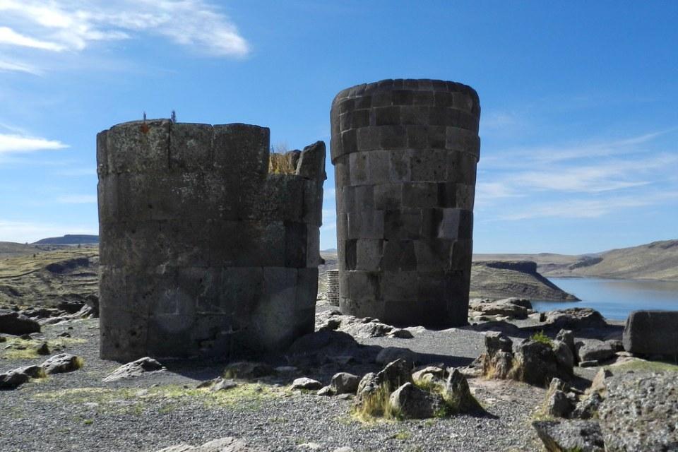 Sitio Arqueologico de Sillustani tumba Peru 06