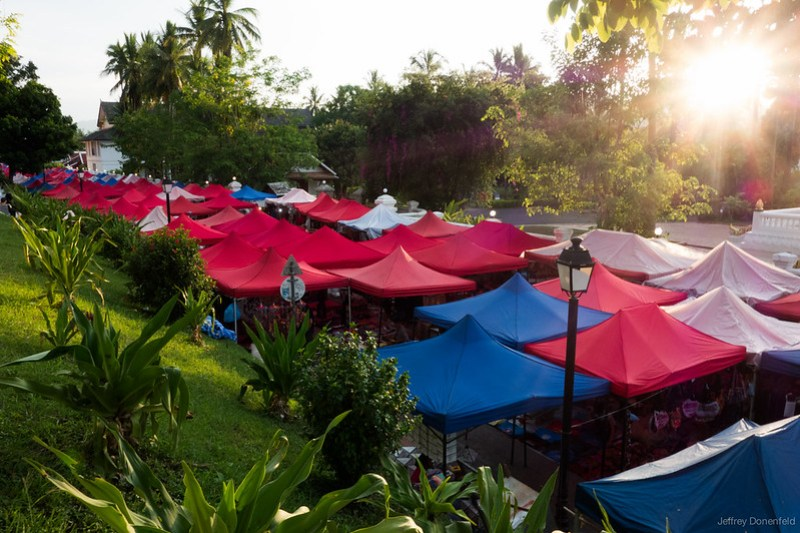 2013-05-27 Luang Prabang - DSC03987-FullWM