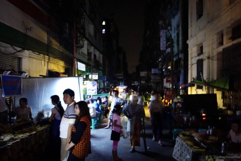 2013-05-05 Yangon - DSC09043-FullWM
