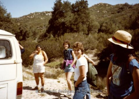 P008.012m.r.t Oakzanita Peak - Cuyamaca 1983: Hikers standing by the cars
