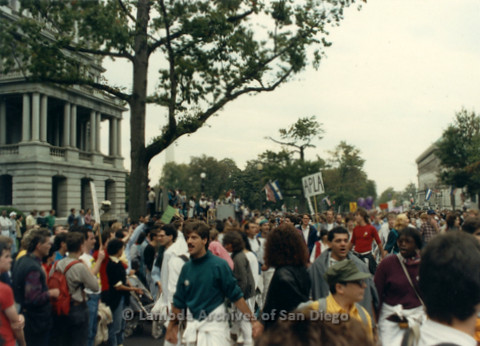 P019.278m.r.t Second March on Washington 1987: People marching on street