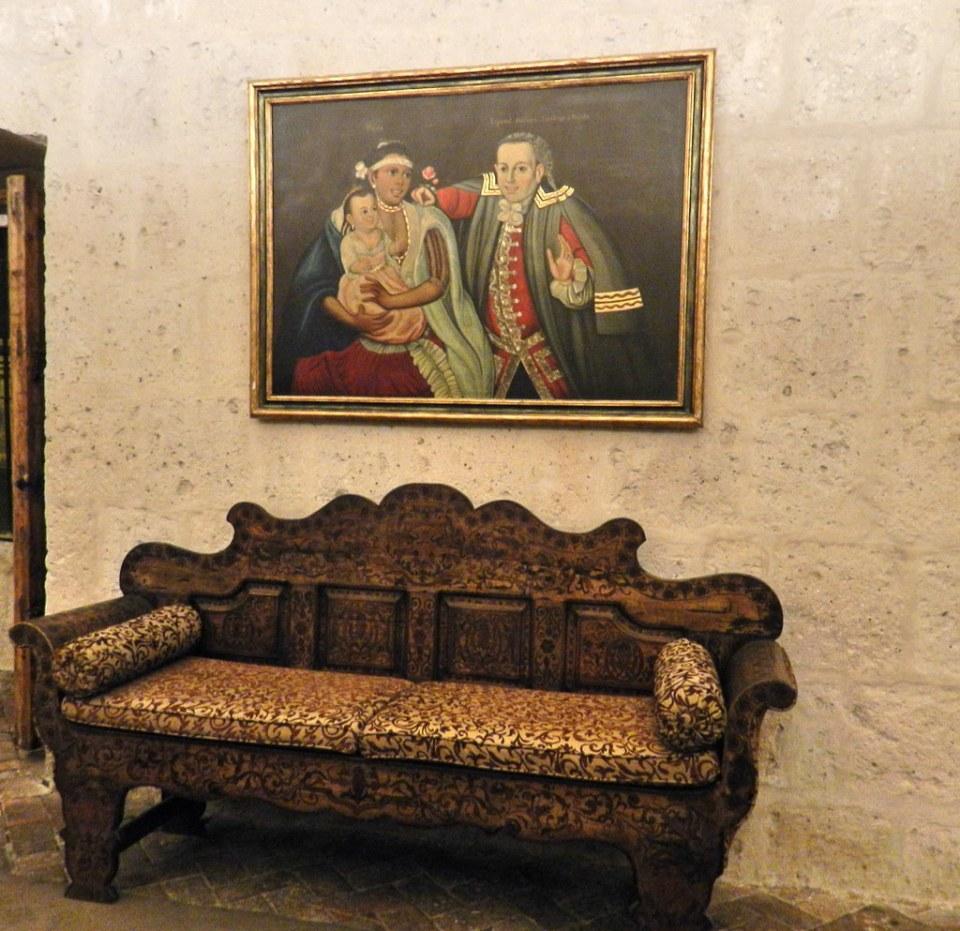 Arequipa pintura y banca o sofa Museo Casa Andina Perú 08
