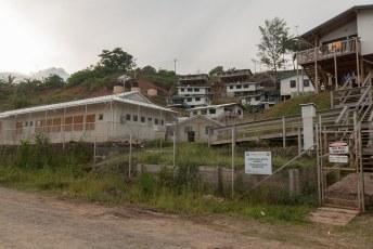 Vergeleken met het hotel en de meeste huizen zijn de gevangenen hier nog niet zo slecht af.