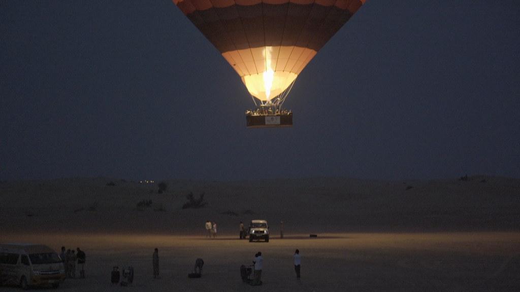 World-First Hot Air Balloon Falconry Adventure in Dubai