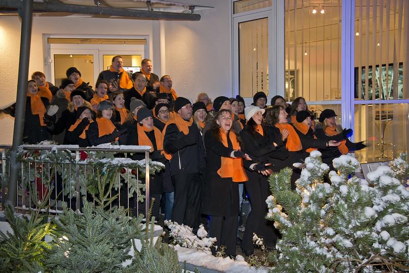 2012-12-07 Weihnachtsingen bei Media Arts, Bietigheim-Bissingen