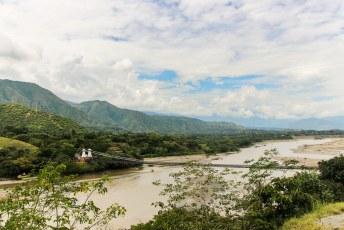 Het volgende uitstapje ging naar Santa Fe de Antioquia, hier de oude brug over de Rio Cauca.