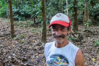 De boswachter met zijn syfillis neus.