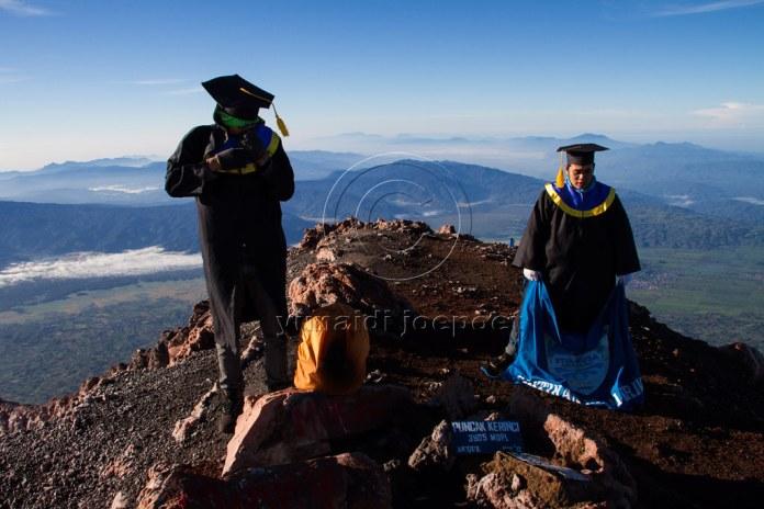 Graduated In Mount Kerinci Kerinci Seblat National Park Flickr