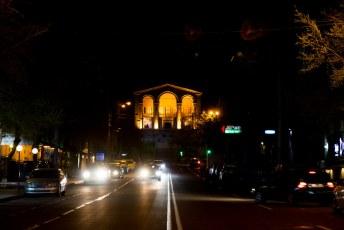 Het Hovhannes Tumanyan (een schrijver/dichter) Museum by night.