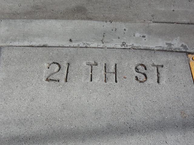 21th St (21st)