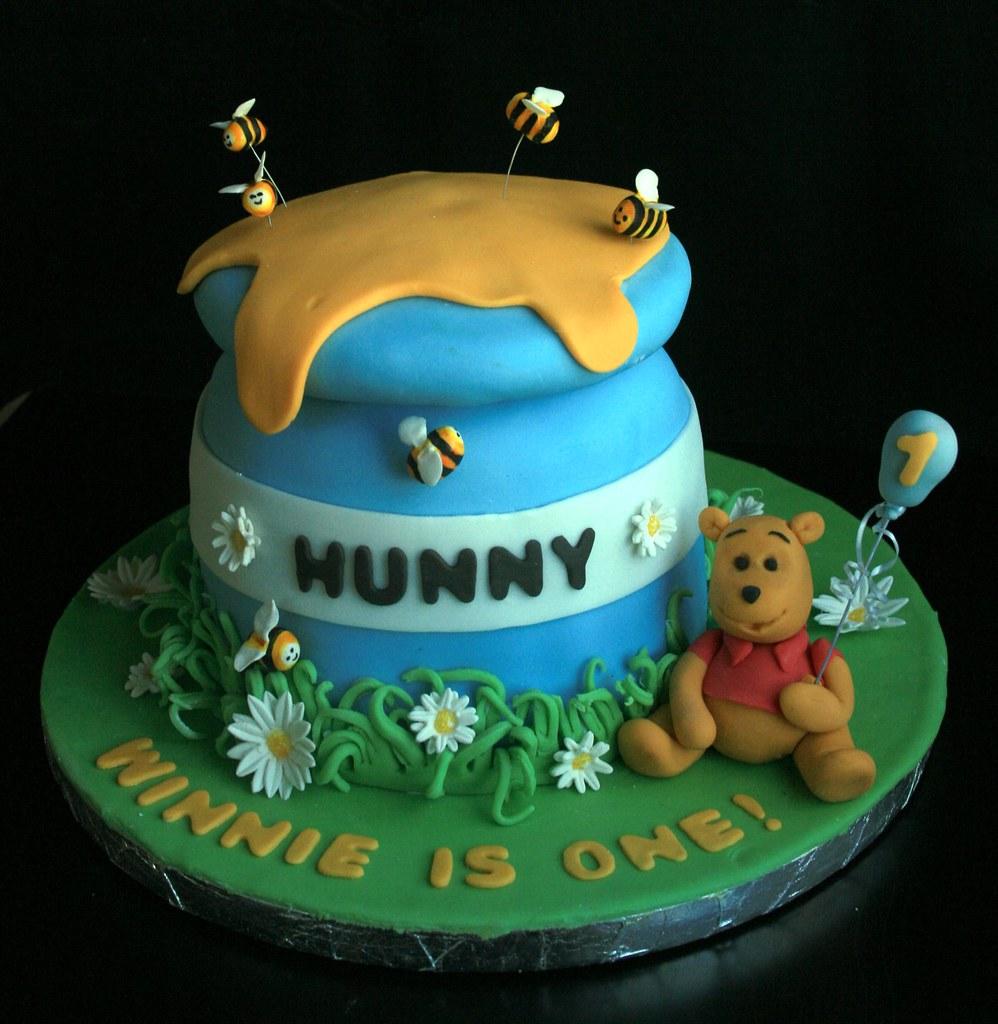 Winnie The Pooh First Birthday Cake Catherine Thomas Flickr