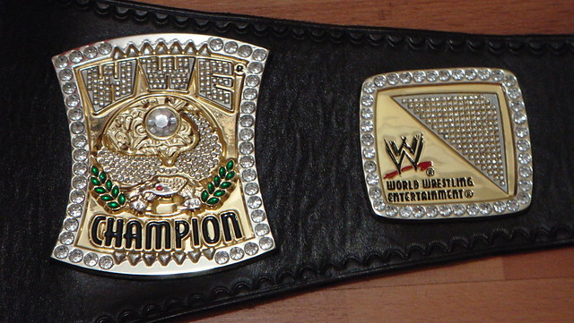 Right sideplates of Spinner WWE Championship