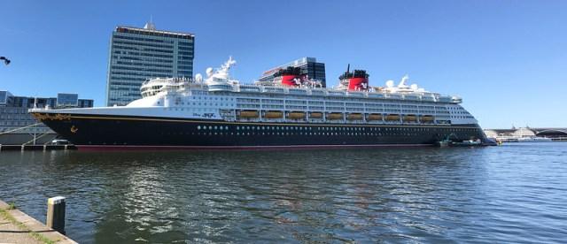 Cruise ship Disney Magic