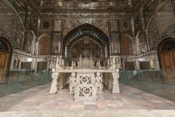 Het paleis kent uiteraard vele gebouwen, dit is de Ivan-e Takht-e Marmar. Oftwel de marmeren troon veranda.