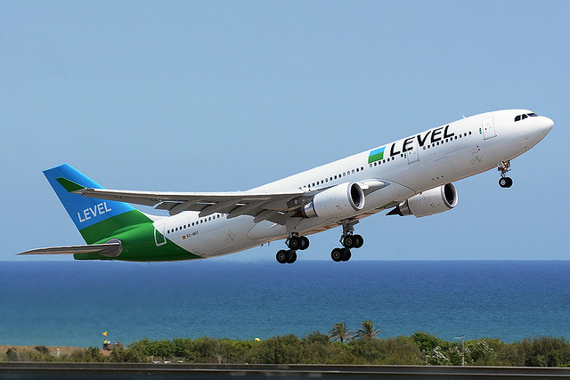 LEVEL EC-MOY AIRBUS A330-200 BCN/LEBL