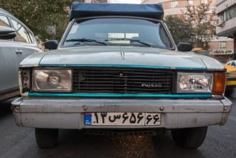 De paykan is een brits model auto dat als bouwpakket naar Iran werd gestuurd. Kostte ongeveer 5000 euro, levensduur met gemak 15 jaar.