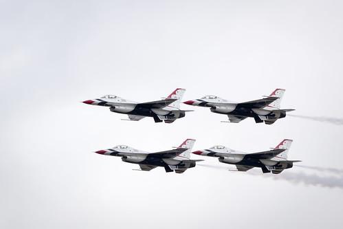 US Air Force F-16 Thunderbirds Display Team performing at Fairford International Air Tattoo 2017