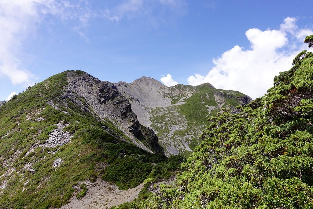百岳@雪北下翠池D3   哇! 二號圈谷看的好清楚。   Jasper Lee   Flickr