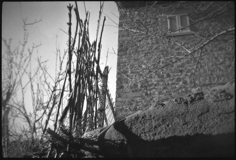 fence, stone wall, architectural facade, Cortona, Tuscany, Italy, Bencini Koroll 24S, Fomapan 200, Moersch Eco Film Developer, December 2016