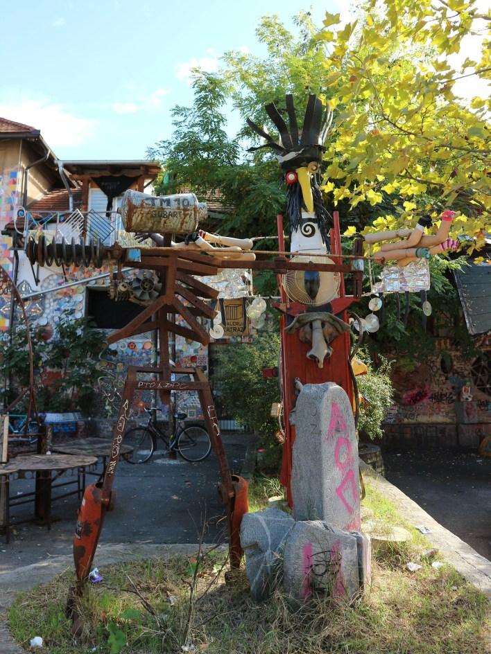 """Metelkova en Liubliana (Eslovenia). Barrio alternativo, independiente, autogestionado y """"fuera de la Ley""""."""