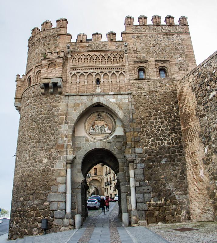 Puerta del Sol Toledo 02